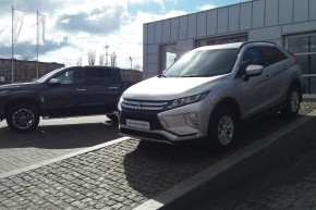 Mitsubishi Eclipse Cross 1.5 MT Invite