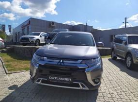 Mitsubishi Outlander 2.0 CVT Invite