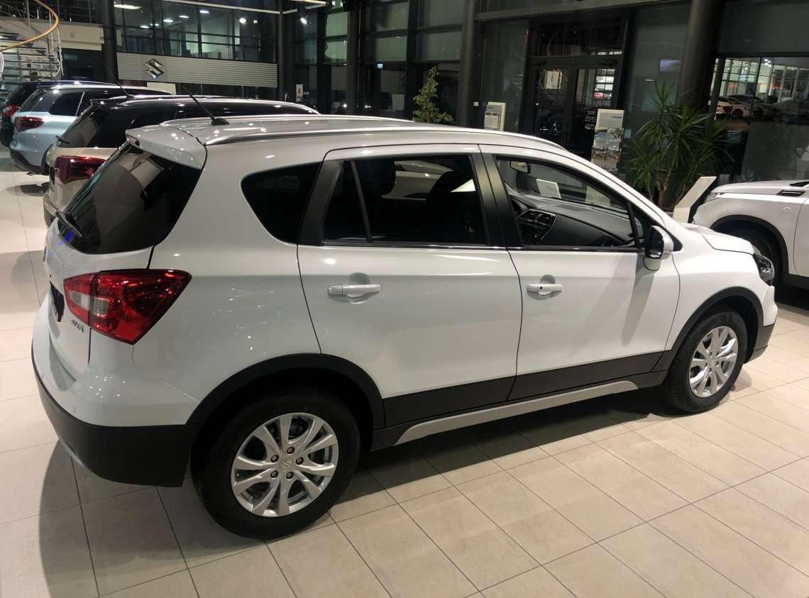 New SX4 1.6L 2WD GLX 6AT