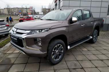 Mitsubishi L200 2.4 AT Intense