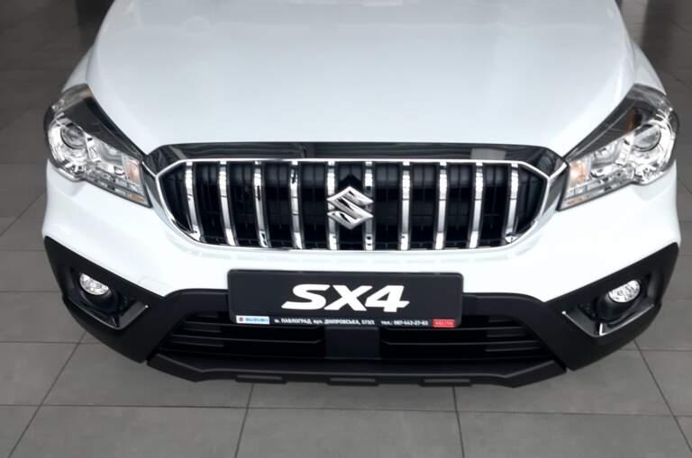 SUZUKI New SX4 1.6L 2WD GL 5MT