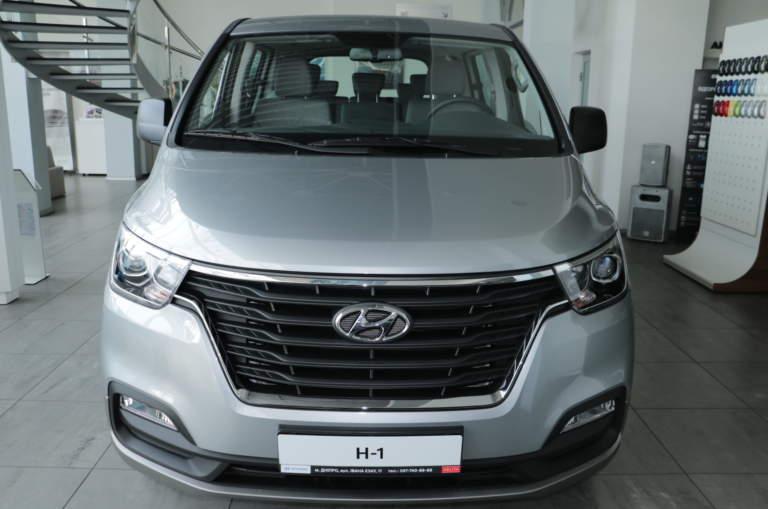 Hyundai H-1 2.5 8-Business 5AT