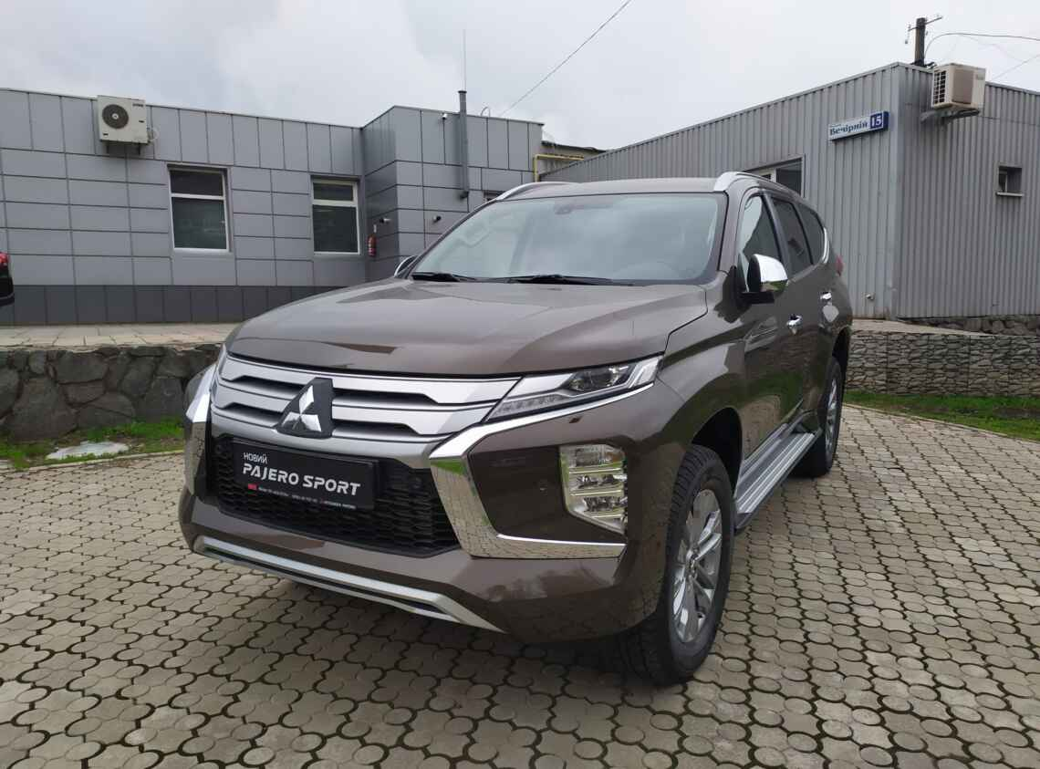 Mitsubishi Pajero Sport AT Intense
