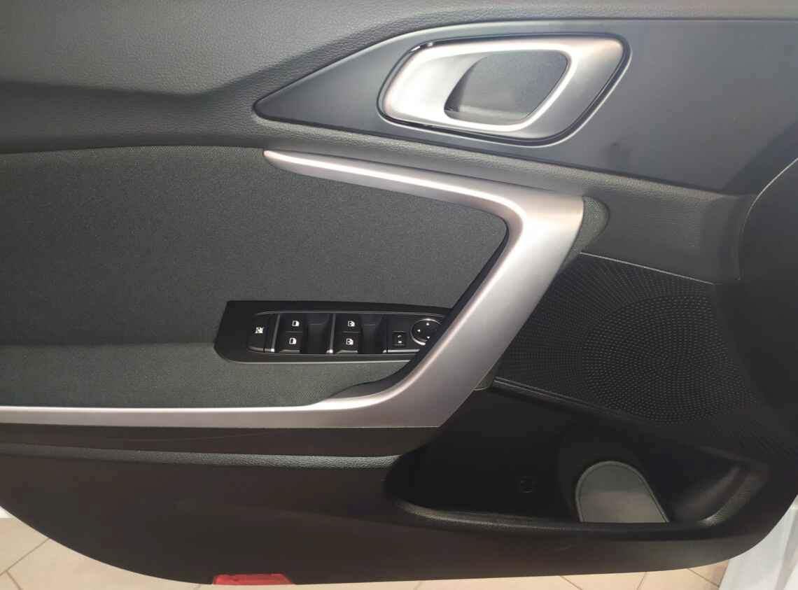 KIA Ceed 1.6 LX WAG 5dr 5seats 6M/T