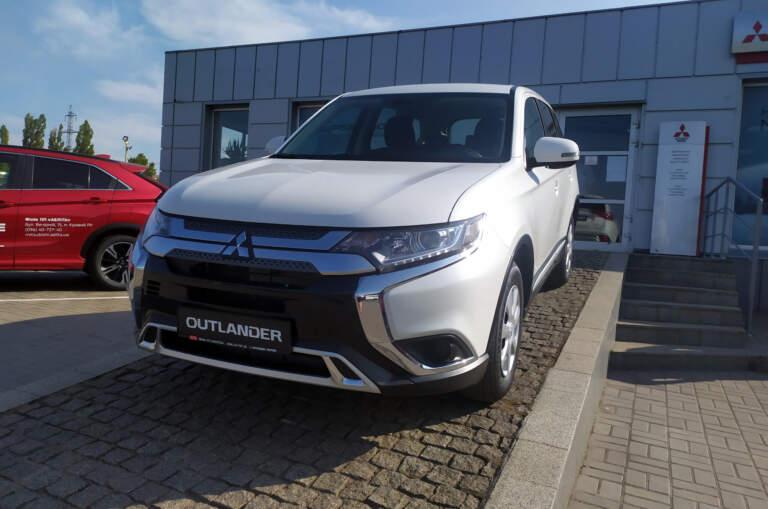 Mitsubishi Outlander Inform 2,0