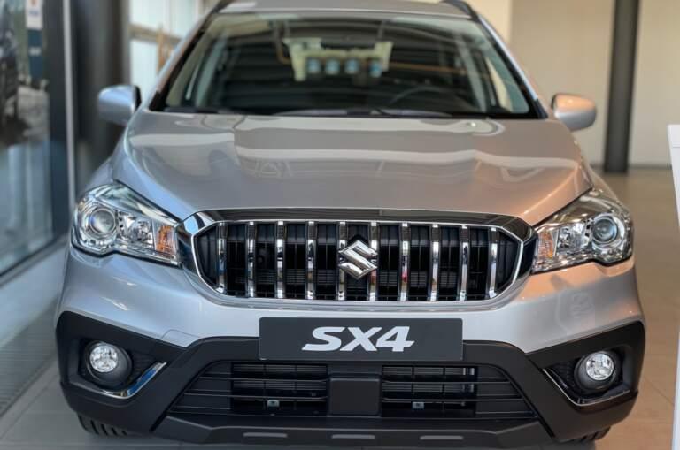 SUZUKI New SX4 1.6L 4WD GL 5MT